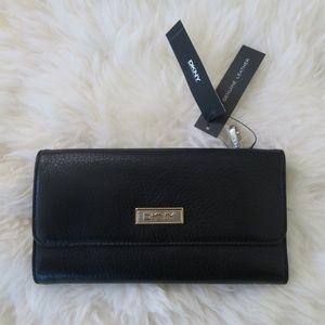DKNY Black Trifold Envelop Pebbled Leather wallet